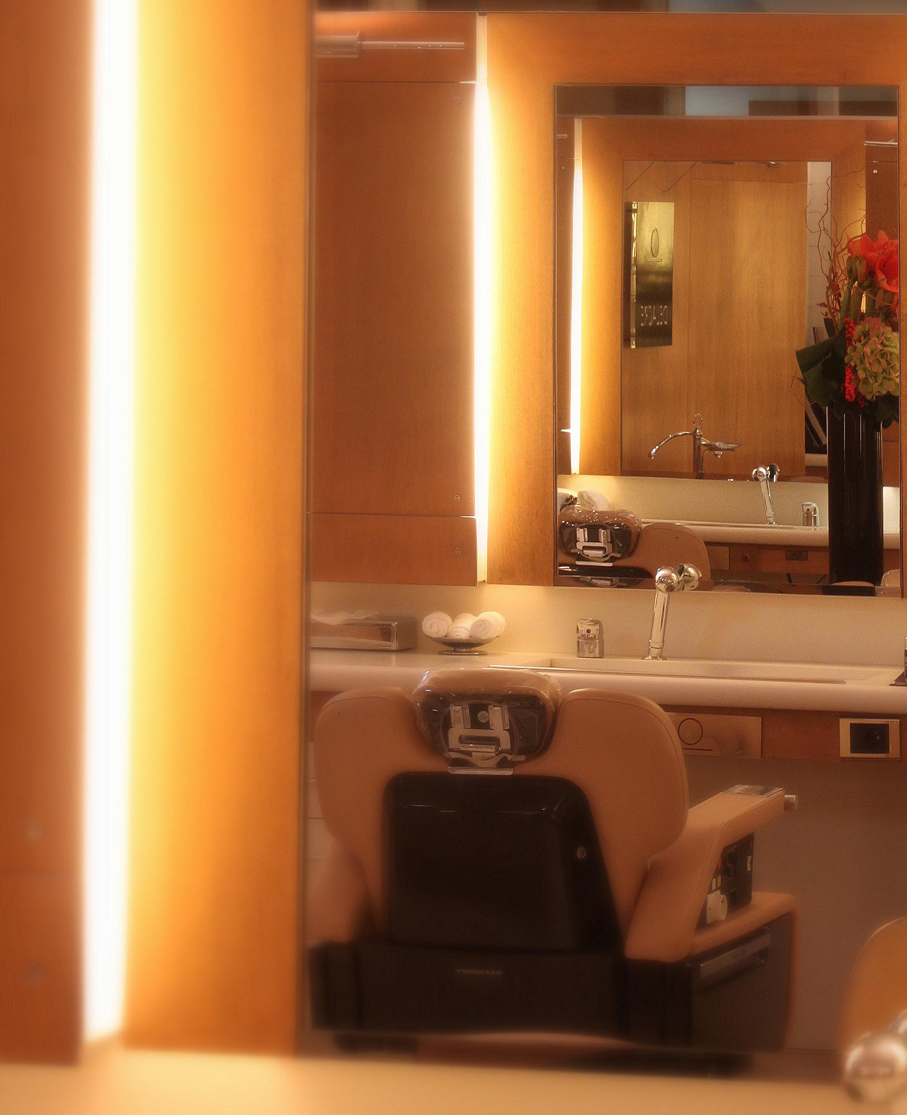 Coiffeur Barbier Homme Paris Cercle Delacre Barbier Haut De Gamme Et Coiffeur De Luxe A Paris